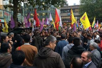 Kurden demonstrieren gegen den Krieg in Ain al Arab