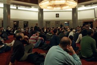 Schweizer Muslime in der Genfer Moschee
