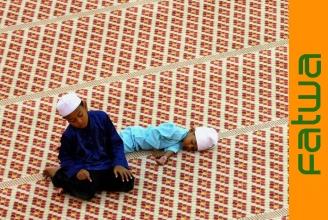 Gebetszeiten und das Fasten sind prinzipiell einzuhalten